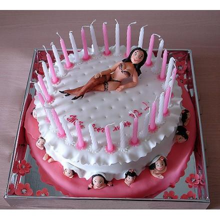 """Эротический торт """"Тебе всего лишь 32!"""""""