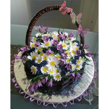 "Торт ""Корзина с цветами и бабочками"""