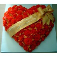 "Торт ""Сердце из алых роз"""