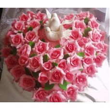 """Торт на свадьбу """"Голубки в розах"""""""