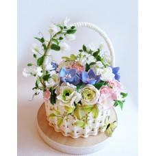"""Торт """"Весенняя корзина с цветами"""""""