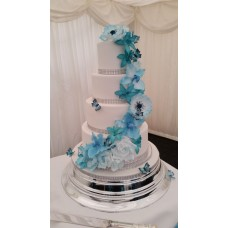 """Свадебный торт """"Голубые цветы и бабочки"""""""
