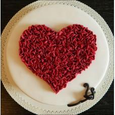 """Торт на день влюбленных """"Красное пушистое сердце"""""""