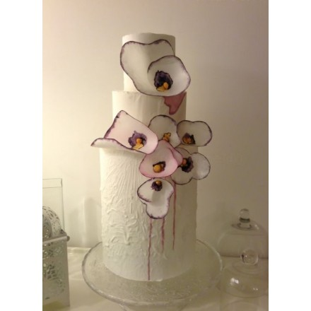 """Свадебный торт """"Белые фиалки"""""""