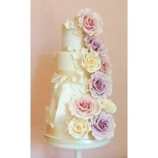 """Свадебный торт """"Вуаль роз с оттенком"""""""