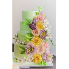 """Свадебный торт """"Салатовый с цветами"""""""