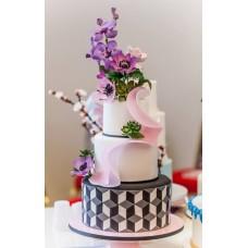 """Свадебный торт """"Букет и 3D ромб"""""""