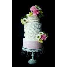 "Свадебный торт ""Изящество роз на бусах"""