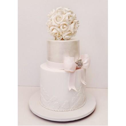 """Свадебный торт """"Белый букет из роз"""""""