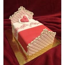 """Торт на 14 февраля """"Кровать для влюбленных"""""""