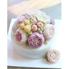"""Торт с цветами из крема """"Пышные нежные пионы"""""""