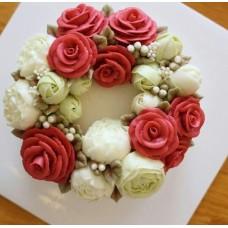 """Торт с цветами из крема """"Белые пионы и красные розы"""""""