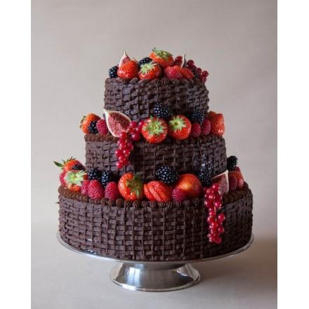 """Торт """"Шоколадная корзинка с ягодами"""""""