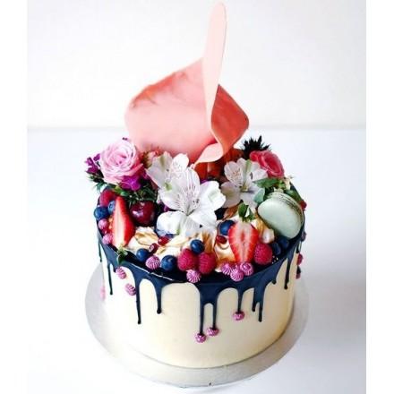 """Торт """"Яркие цветочки и ягодки"""""""