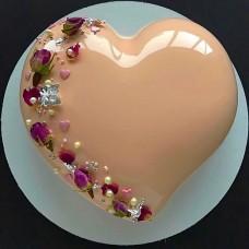 """Торт с покрытием гляссаж """"Нежное сердце с цветочками"""""""