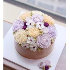 """Торт с цветами из крема """"Прекрасные нежные розы"""""""