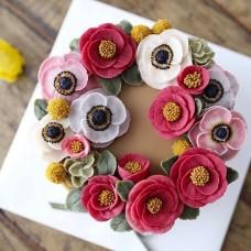 """Торт с цветами из крема """"Разноцветные цветы"""""""